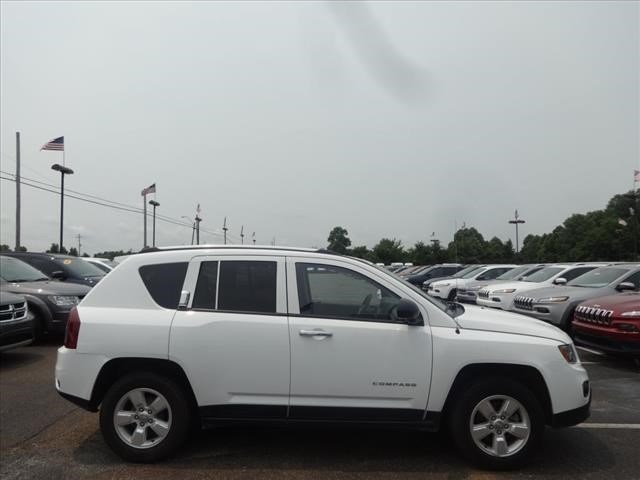 Pre-Owned 2014 Jeep Compass Sport FWD SUV