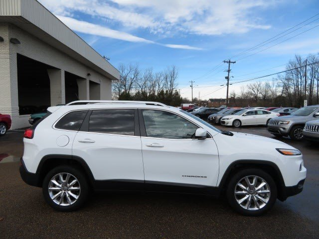 Pre-Owned 2015 Jeep Cherokee Limited FWD SUV