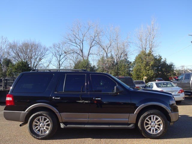 Pre-Owned 2011 Ford Expedition  RWD SUV