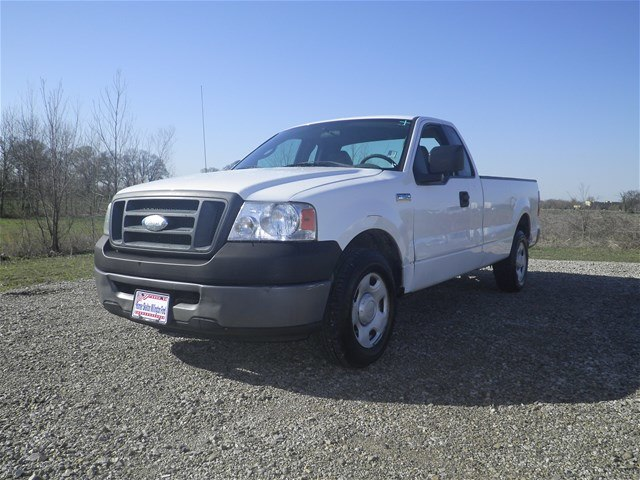 Pre-Owned 2006 Ford F-150 XL RWD Truck
