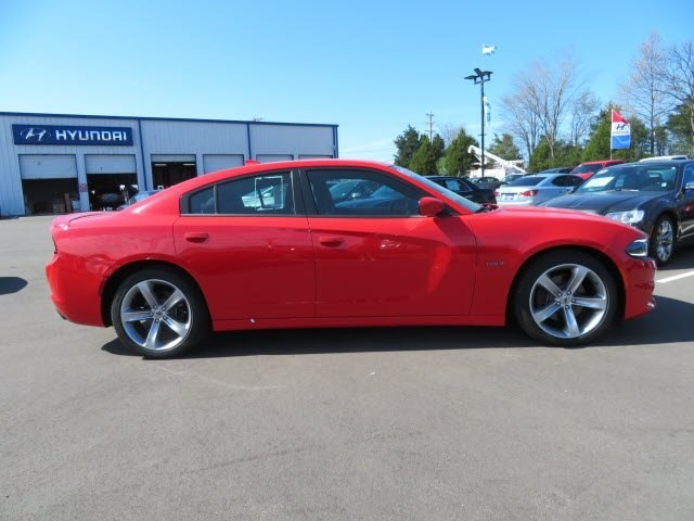 Pre-Owned 2017 Dodge Charger R/T RWD Sedan
