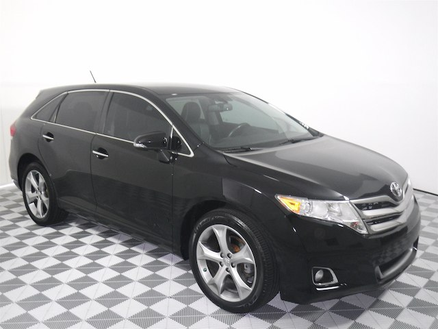 Pre-Owned 2013 Toyota Venza XLE V6 FWD SUV