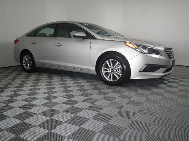 Certified Pre-Owned 2016 Hyundai Sonata SE FWD Sedan