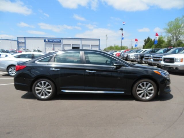 Certified Pre-Owned 2017 Hyundai Sonata Limited FWD Sedan