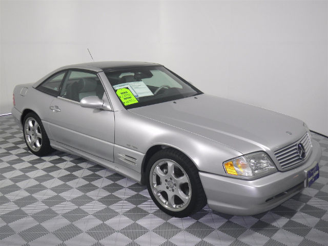 Pre-Owned 2002 Mercedes-Benz SL500  RWD Convertible